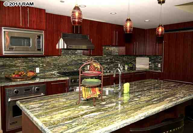 Valley Isle Lighting - Kitchen lights over breakfast bar